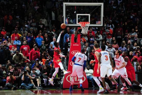 Atlanta a battu les Knicks au bout de quatre prolongations (142-139), dimanche.