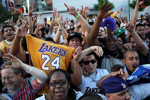 Basket: des dizaines de milliers de fans des Lakers dans Los Angeles