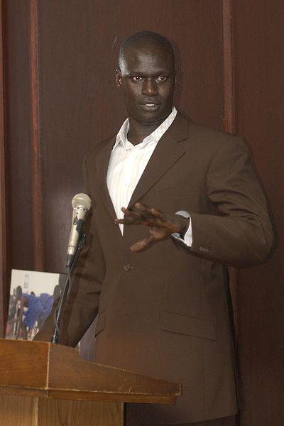 NBA: Amadou Gallo Fall quitte Dallas pour la Vice-Présidence de la NBA