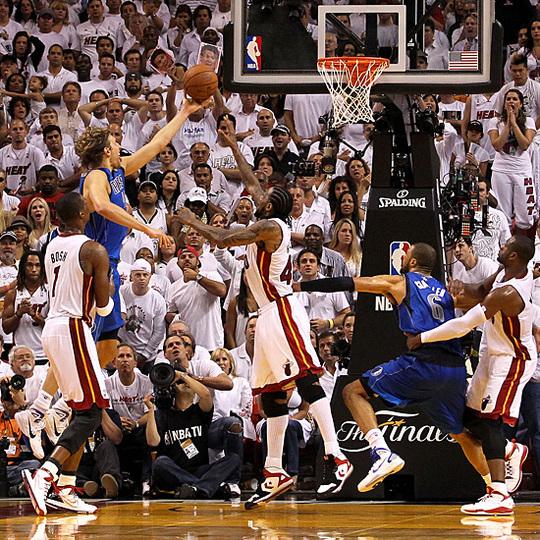 NBA FINALS GAME 2: grâce à Dirk Nowitzki, Dallas coiffe Miami sur le fil