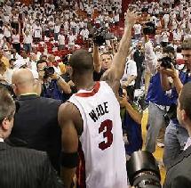 Dwyane Wade - Miami Heat Saluant les Fans