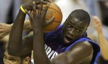 NBA PLAYS-OFFS 2007 :SPURS ET MAVS DERAPENT