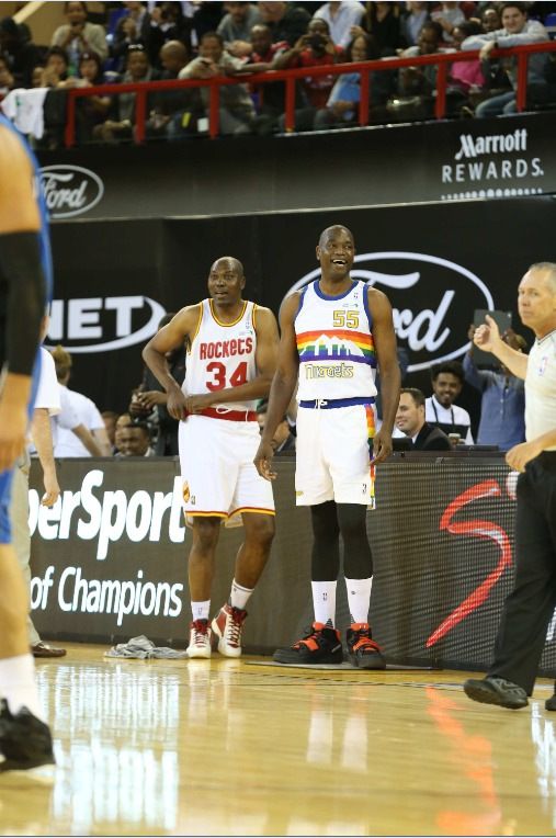 La Team World domine l'Africa Game, Olajuwon et Mutombo invités surprises