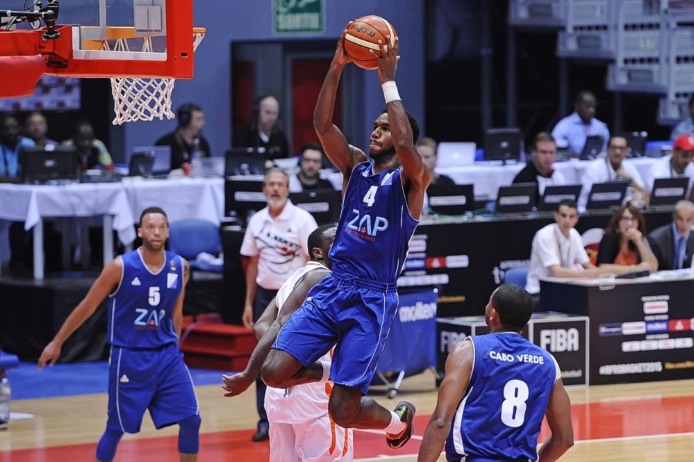 Correia et Xavier ménent le Cap  Vert à la victoire