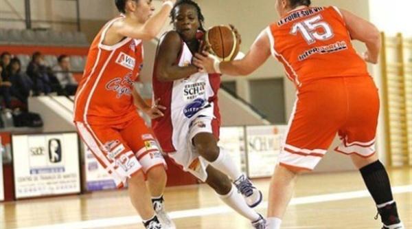Coupe de France - Finale Trophée féminin : Elisa Diatta (10 pts, 2 rbds et 1 passe) et Mamadou Cissé (Coach) gagnent la coupe de France NF1 avec Rezé