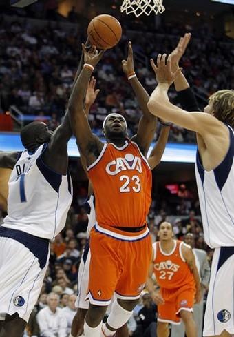 NBA : Les Cavs assomment les Mavs