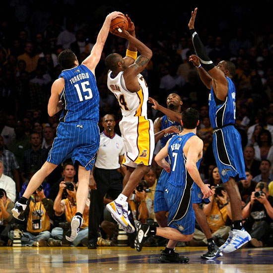 (VIDEO) -FINALE NBA 2009 MATCH 2: Les Lakers gagnent en souffrant