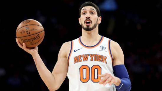 NBA. Les New York Knicks ont libéré leur pivot turc Enes Kanter