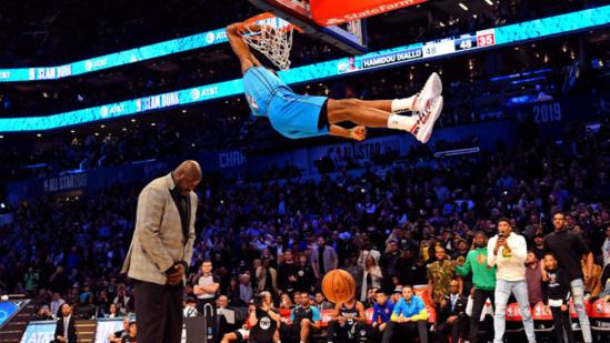NBA SLAM DUNK : Hamidou Diallo vole au dessus du Shaq pour remporter le concours de dunk