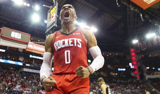NBA:Les Clippers et Milwaukee se font surprendre, Westbrook dépasse Magic Johnson