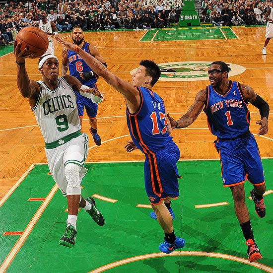 """(VIDEO)-NBA: Un """"triple-double"""" historique pour Rondo"""