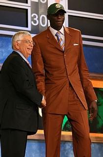 Saer Sene et David Stern NBA Commissionner