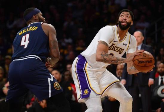 NBA. Les Lakers chutent à Denver, les Bucks assurent, l'incroyable remontée des Raptors… Le résumé de la nuit