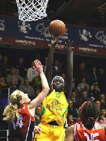 Astou Ndiaye en pleine Action