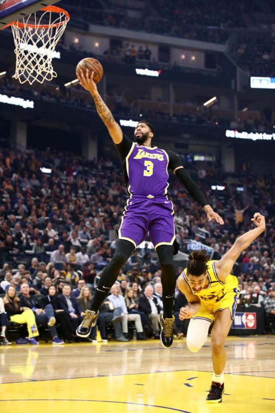 NBA:Les Lakers étrillent Golden State, les Sixers défont les Knicks… Le résumé de la nuit