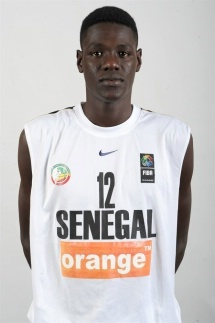 Abdoulaye Ndoye 27 pts, 16 rbds et 2 contres.