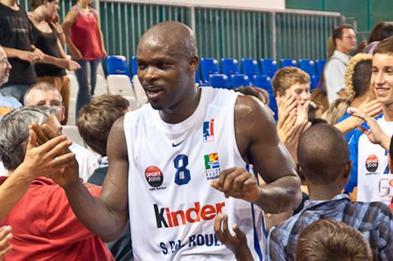 Cheikhou Thioune annonce le report de son camp d'entraînemen