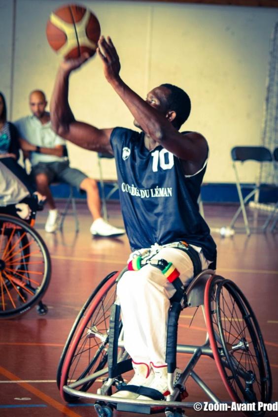 HANDIBASKET: Championnat de France NB - 4ème journée. Ibrahima Ndiaye (15 pts)  au dessus du lot