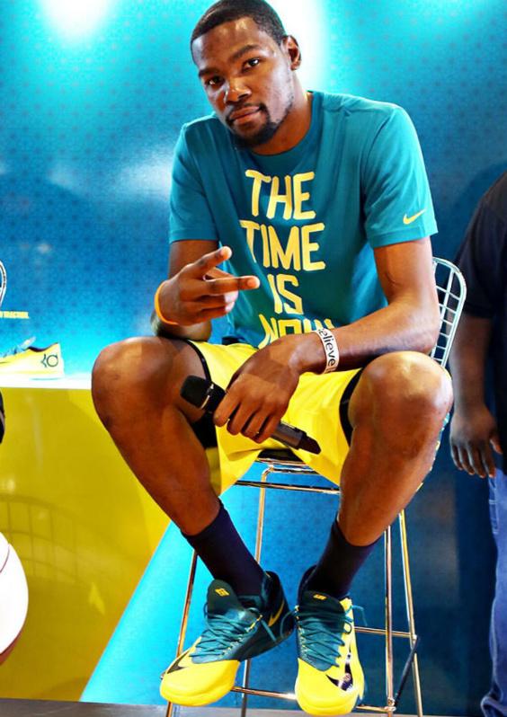 (VIDEO) - Kevin Durant sacré MVP pour la première fois