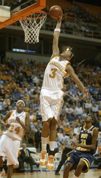 (VIDEO-VIDEO) - Candace Parker : 2ème dunk de l'histoire de la WNBA