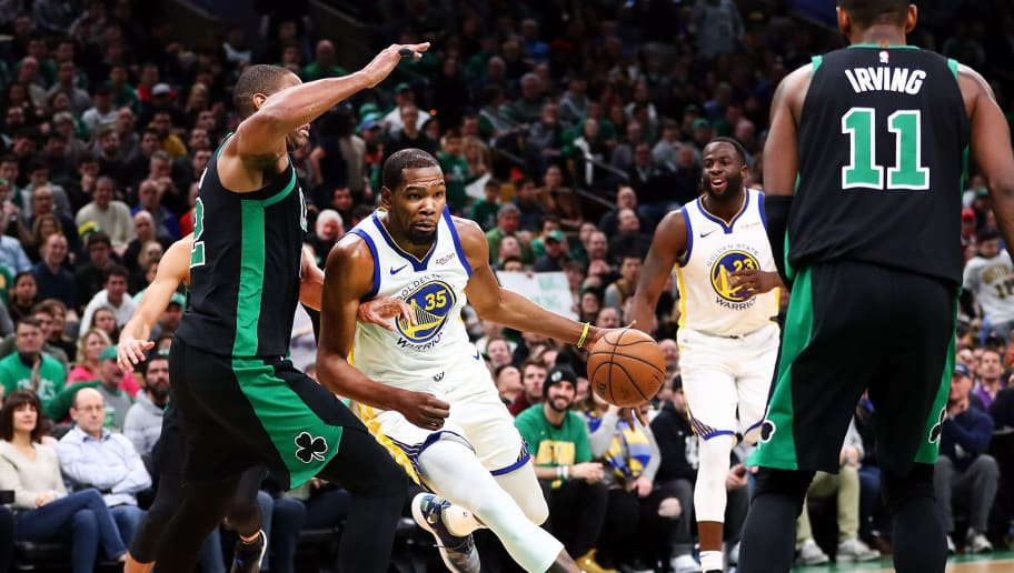 NBA : Les Warriors s'imposent á Boston pour la 300 éme de Steve Kerr