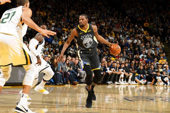 NBA : Golden State domine l'Utah, les Lakers coulent á Atlanta