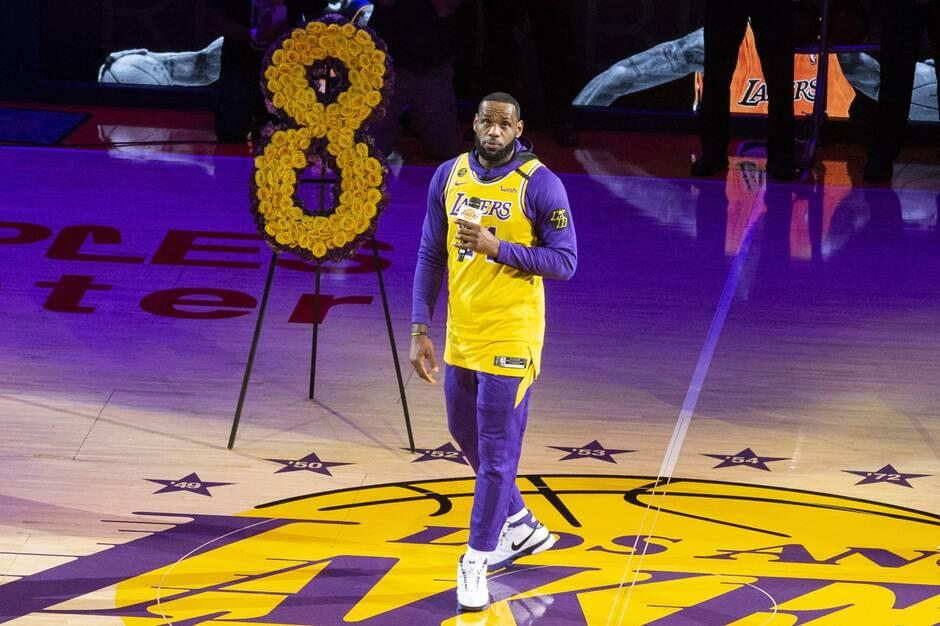 NBA:Le discours émouvant de LeBron James pendant l'hommage des Lakers à Kobe Bryant