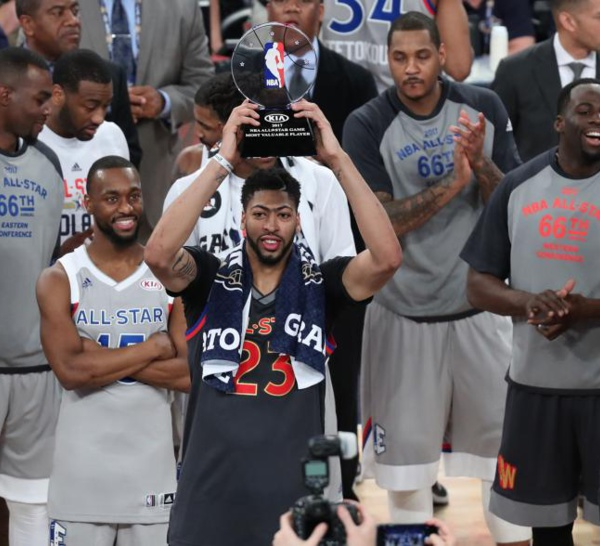 NBA ALL- STAR GAME : l'Ouest remporte le match des étoiles