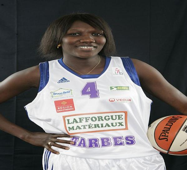 TRANSFERT : Ndeye Diola Ndiaye signe à Arras en LFB
