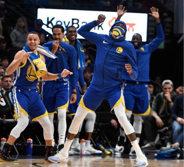 "NBA : Les Warriors en ""Cheat Mode"" face aux Nuggets 142-111 - RESULTATS DE LA NUITS"