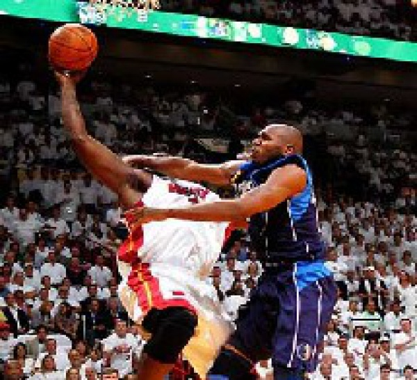 NBA: Stackhouse suspendu